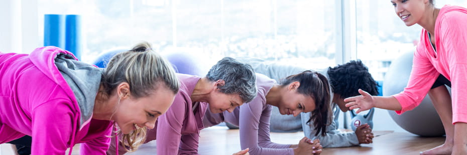 class-of-women-doing-core-exercises