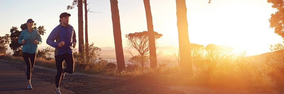 couple-running-at-sunrise