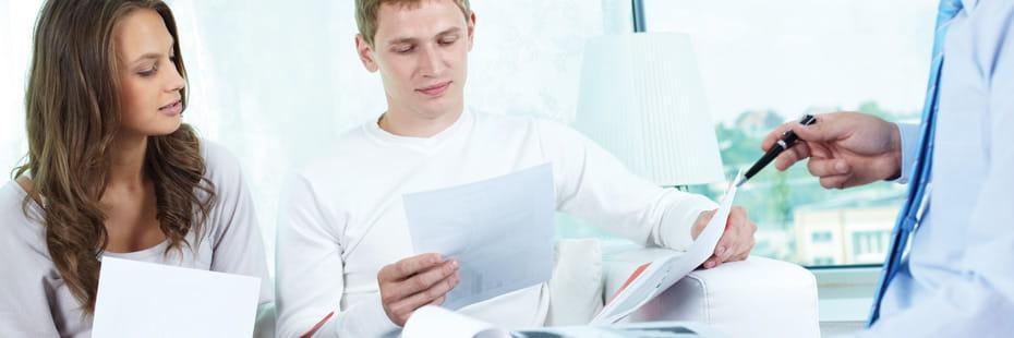 family-purchasing-insurance-through-broker