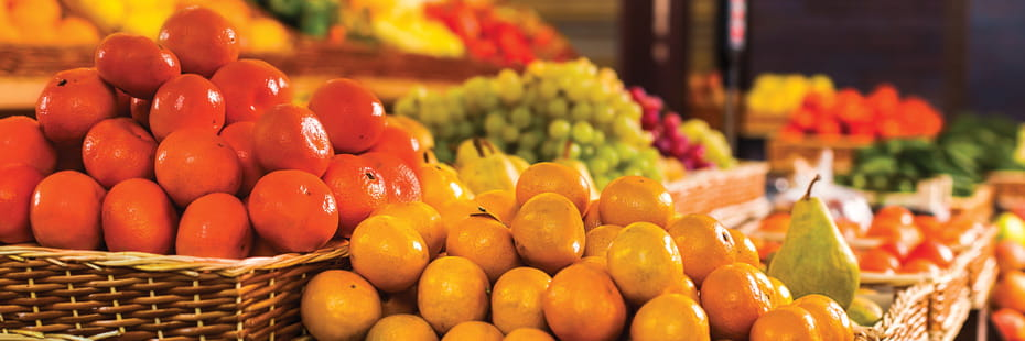 fruits-and-vegetables-at-the-market