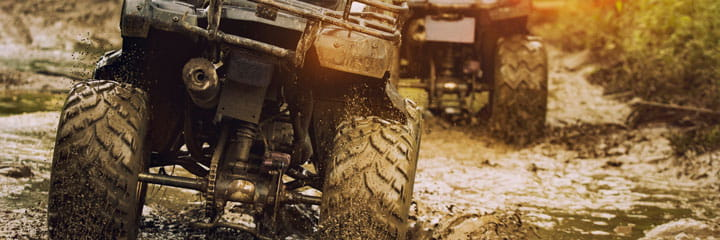 off-road-vehicle-quad-in-mud