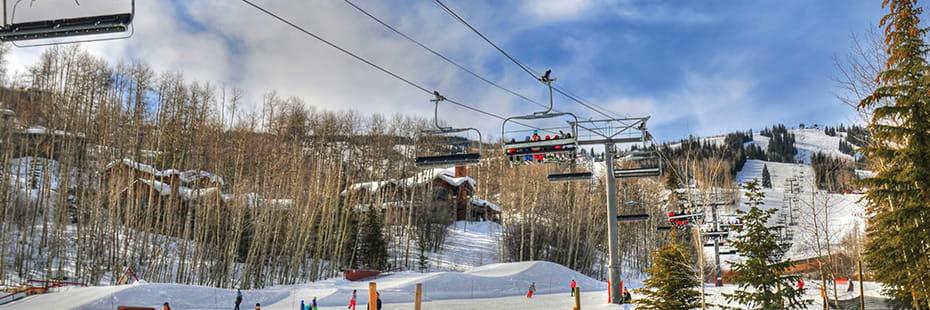 skiing-at-Aspen_desktop