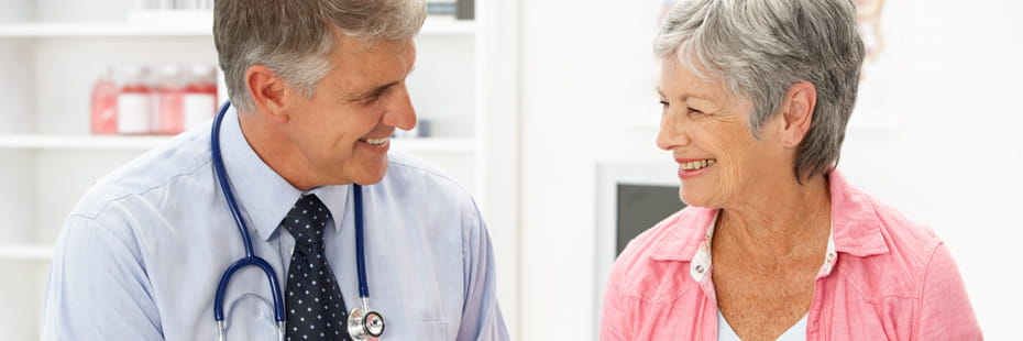 woman-talking-with-her-doctor
