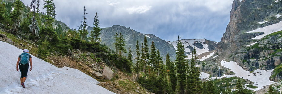 young-female-hiking-Rocky-Mountain-National-Park