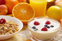 healthy-breakfast-with-yogurt-and-orange