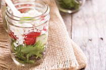 healthy-salad-in-mason-jar