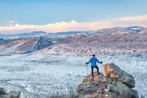 winter-hike-with-view-near-Fort-Collins