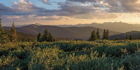 Colorado-mountains-at-dusk