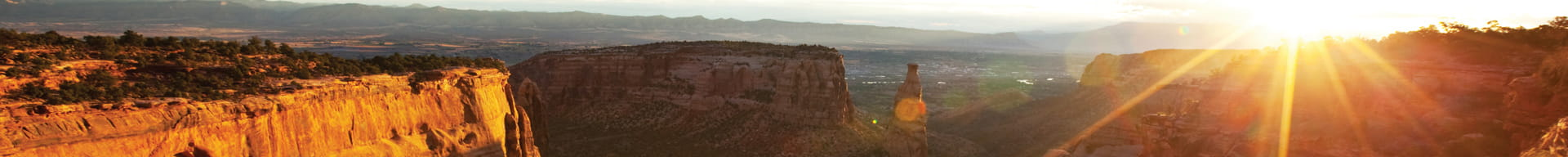colorado-monument-at-sunrise